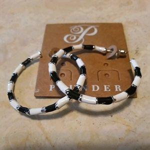 Plunder black and white loop earrings